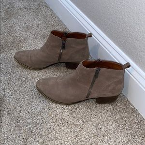 like new lucky brand booties